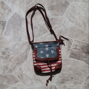 ✖2/$20 AMERICAN FLAG crossbody bag